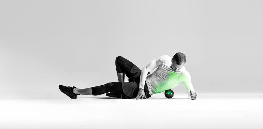 piłka wibracyjna Hypersphere rollowanie pleców