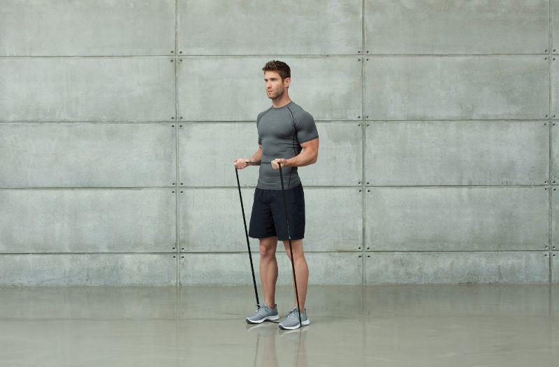 guma powerband bardzo ciężka ćwiczenie na biceps