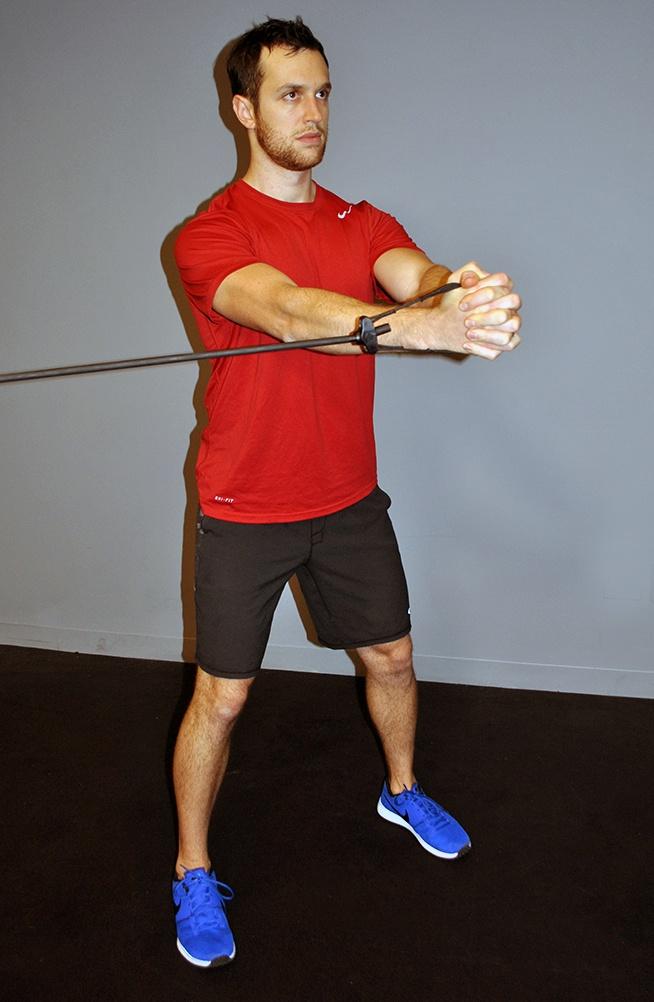 cwiczenia-na-brzuch-pallof-press