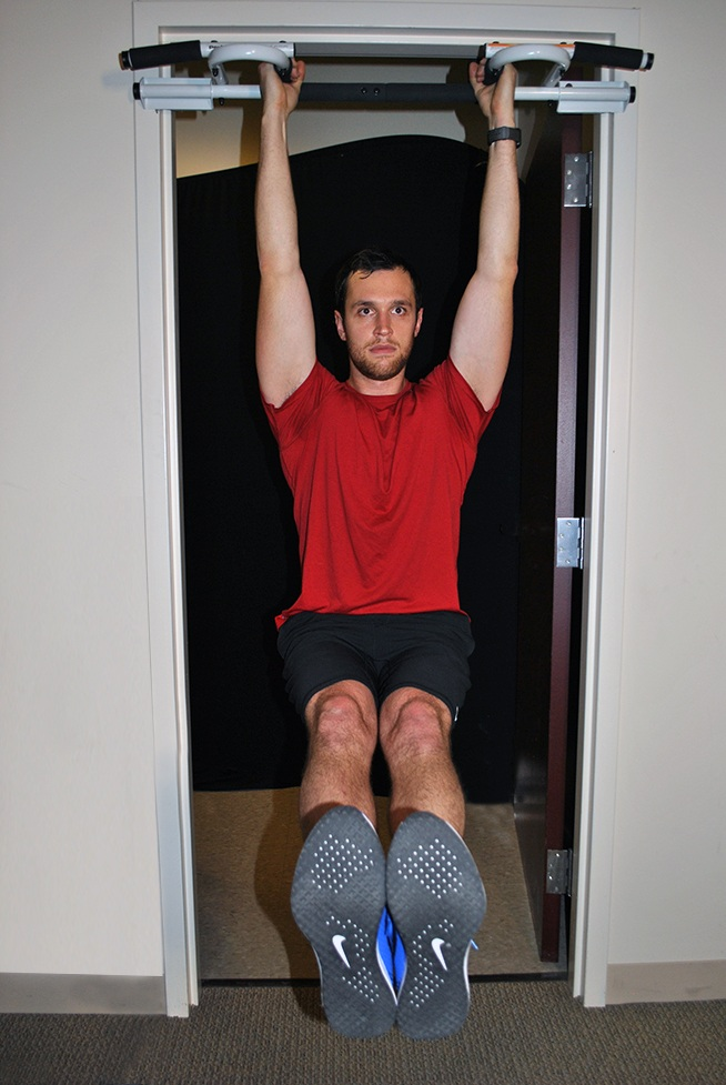 cwiczenia-na-brzuch-przyciaganie-kolan