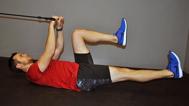 cwiczenia-na-brzuch-z-wyciagiem