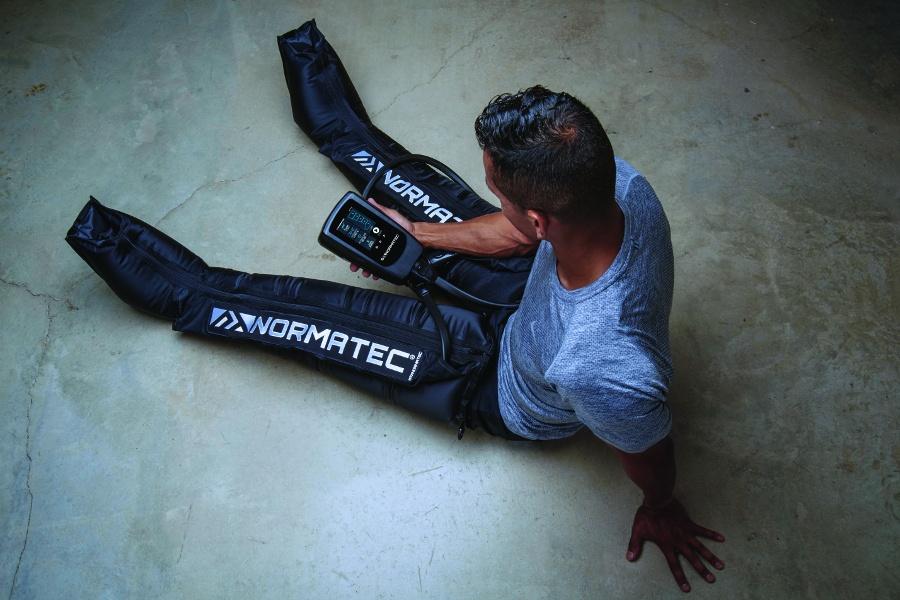 system do drenażu limfatycznego NormaTec Recovery na nogi