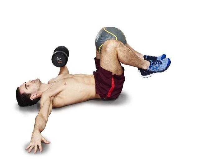 nowe ćwiczenie na brzuch - wyciskanie i rotacja