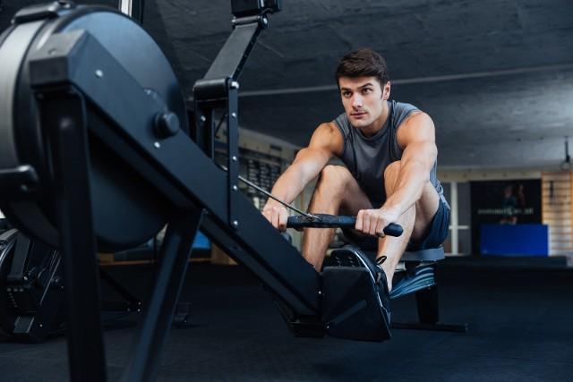 Trening na ergometrze wioślarskim cardio