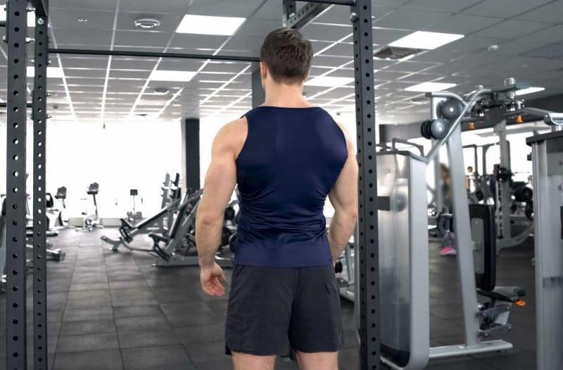 spięte plecy siłownia